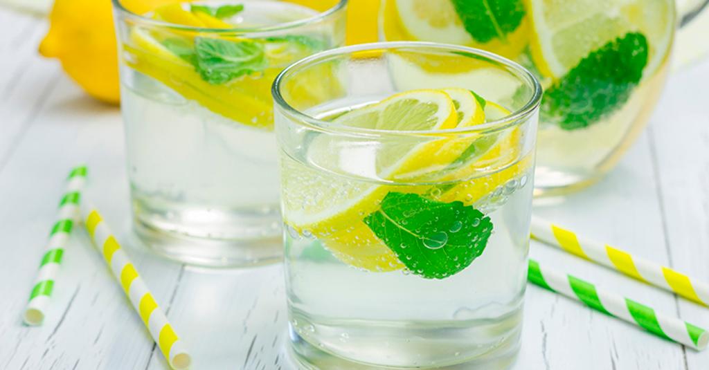 Dietas de Desintoxicação são Saudáveis? Água Detox de Limão