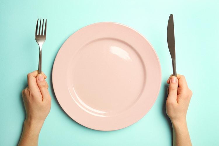 Experimente estas 8 dicas simples de dieta para reduzir calorias e perder peso para sempre